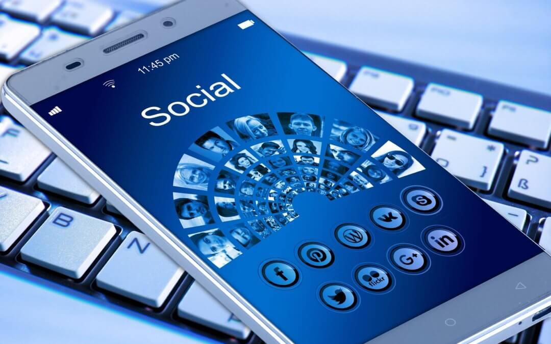 Social Media Revolution: le aziende comunicano attraverso i social media
